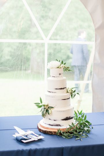 Rustic cake | Savannah smith photography
