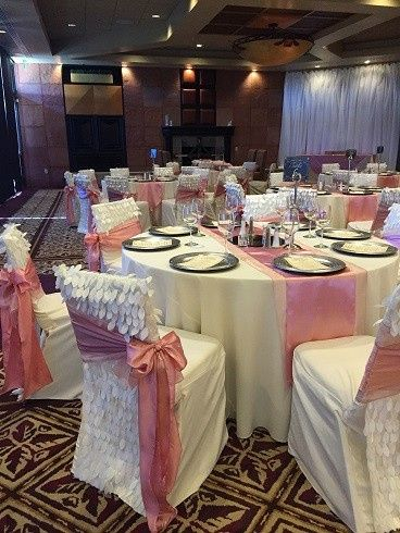 White and pink reception theme
