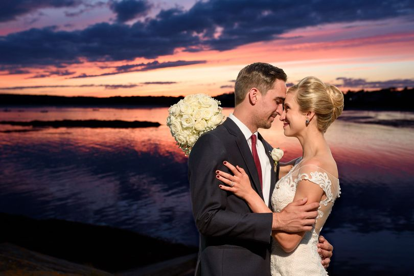 473b58634a18c57e 1520949083 a0cc94ff364504ed 1520949078771 25 Maine Wedding Pho