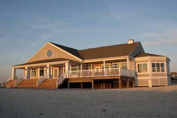 Exterior view of Avalon Yacht Club
