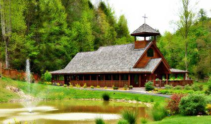 Gatlinburg's Little Log Wedding Chapel
