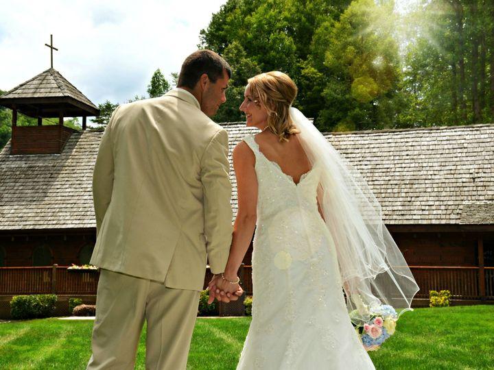Tmx 1516820007 9b801743f2b34d99 1516820003 B1fb4c00aa1152e8 1516819999238 8 SPRING Gatlinburg wedding venue
