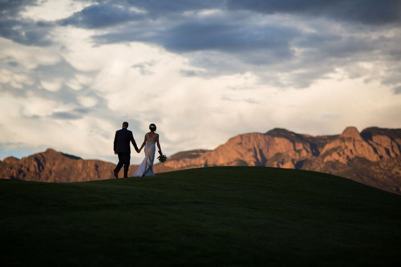 e1a0618346f573f3 1510505015943 sandia resort wedding