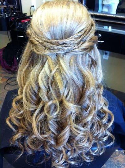 Abundant curls