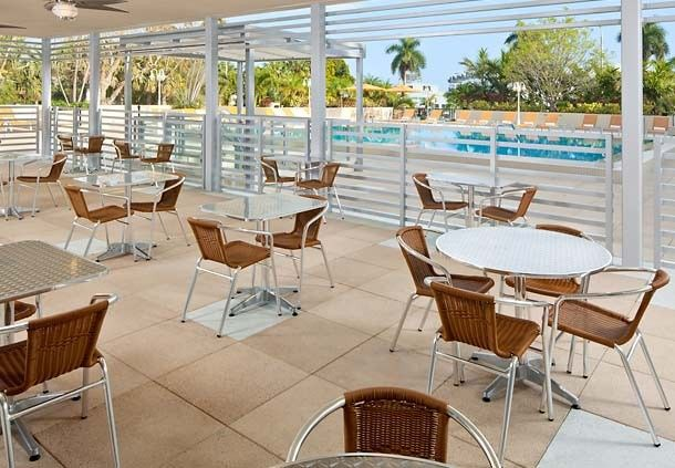Courtyard by Marriott Coconut Grove veranda