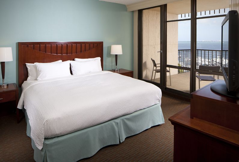 Courtyard by Marriott Coconut Grove beds