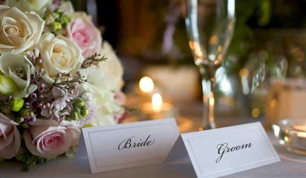 Sweetheart's table set-up