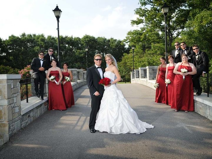 Tmx 1539270237 70adda123fa8519c 1539270233 7cde73b0514c8591 1539270228853 29 Parson0762 Virginia Beach, VA wedding photography
