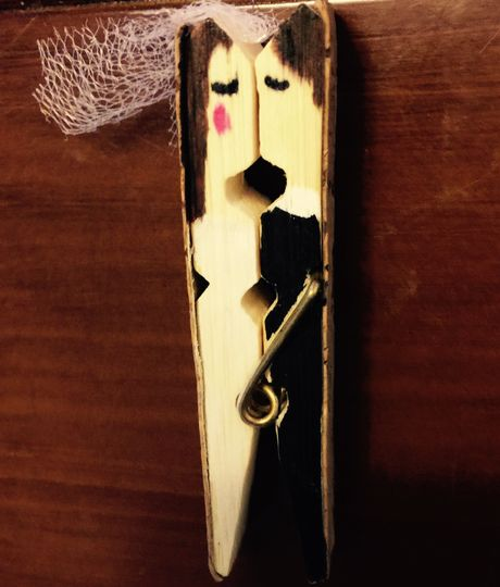 Adorable Wedding clothespins feature Bride and Groom, Bride and Bride, Groom and Groom