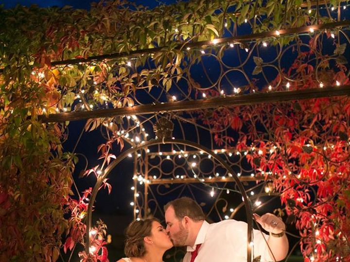 Tmx Matt And Chelsy Arbor Back Right 51 737628 Hamilton, MT wedding venue