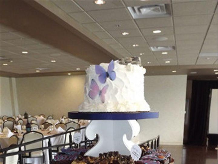 Tmx 1459874673251 9c58f573 1882 409d A8ae 079e81e3aece Broomfield wedding cake
