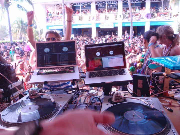 dj craig view photo mardi gras 2011
