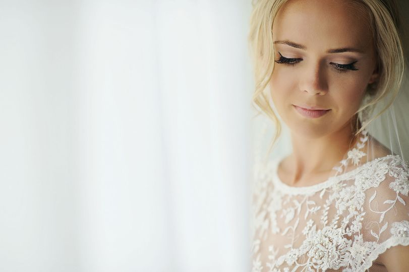 Bridal make-up in Costa Navari