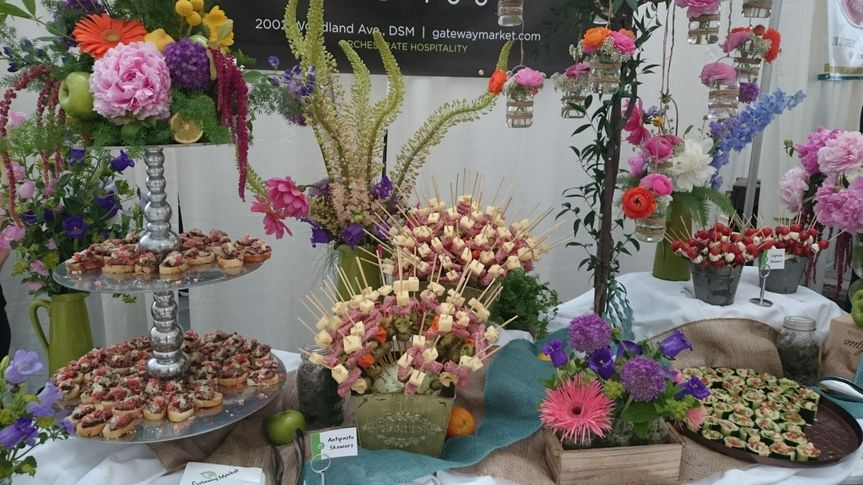 A stunning table from Winefest 2015, all food and flowers by Gateway Market