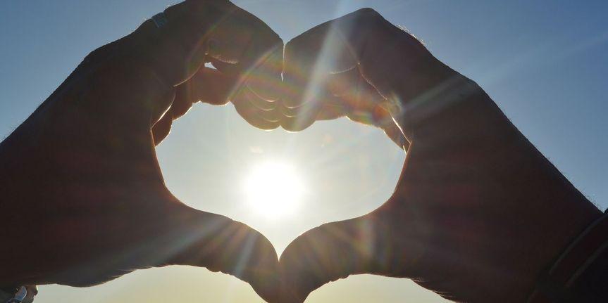 coeur au coucher du soleil 1
