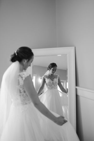Stunning bride in mirror