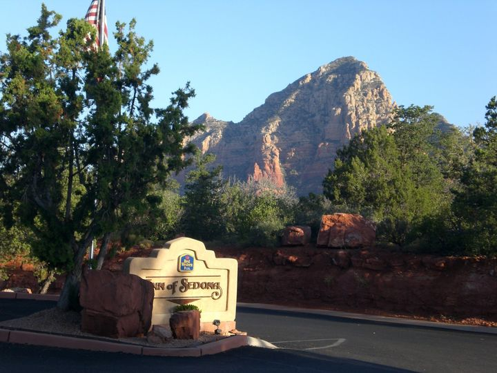 Sedona is beautiful with its views.  You can achieve the country feel or an elegant celebration...