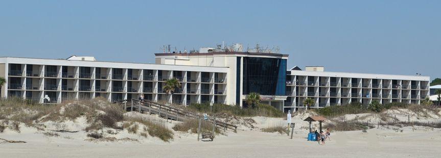 hotel tybee exterior 2