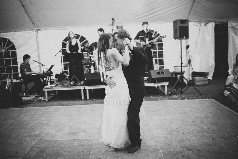 dc946297b8f7dfd3 1414443904885 michael and alicias wedding