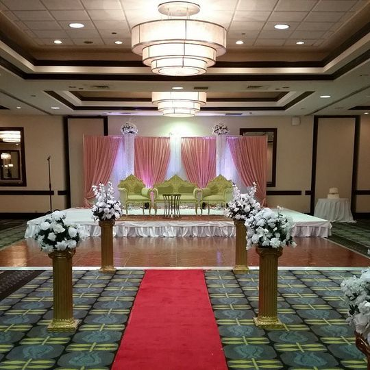 Wedding Venues In St Louis Mo: Crowne Plaza St. Louis Airport