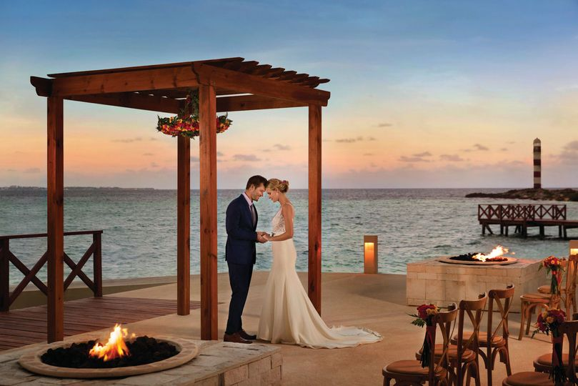 38a135b77bced5b2 Hyatt Ziva Cancun Wedding By Firepits 3