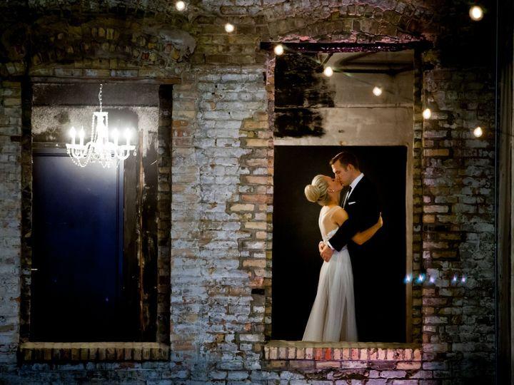Tmx Ashley Eric First Look 0032 51 473928 158343826315720 Wayzata wedding planner