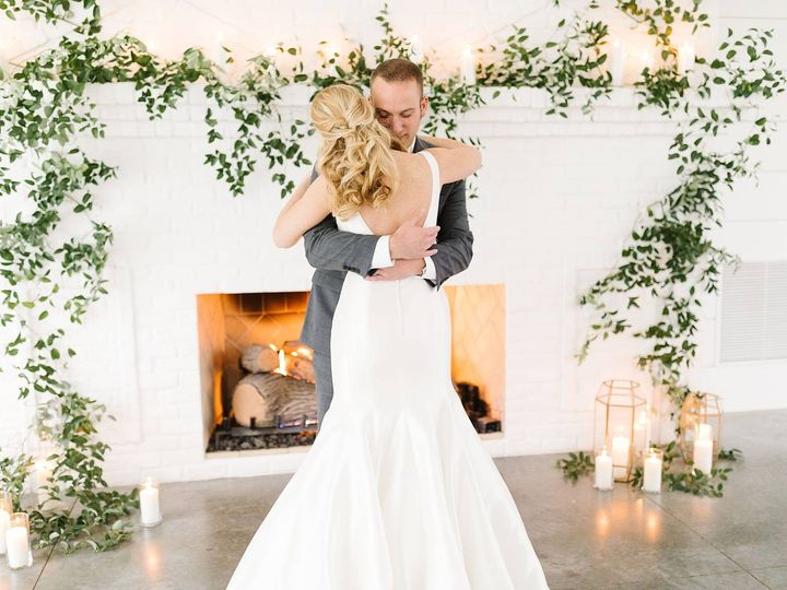 Tmx Hutton House Fall Wedding 0030 51 473928 158343918079574 Wayzata wedding planner