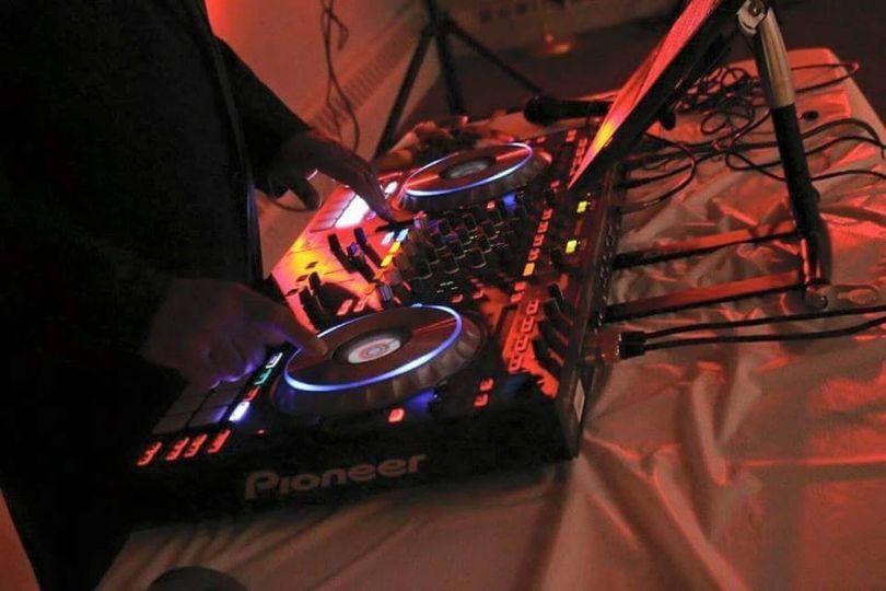 DJ Tony Kewz in the mix