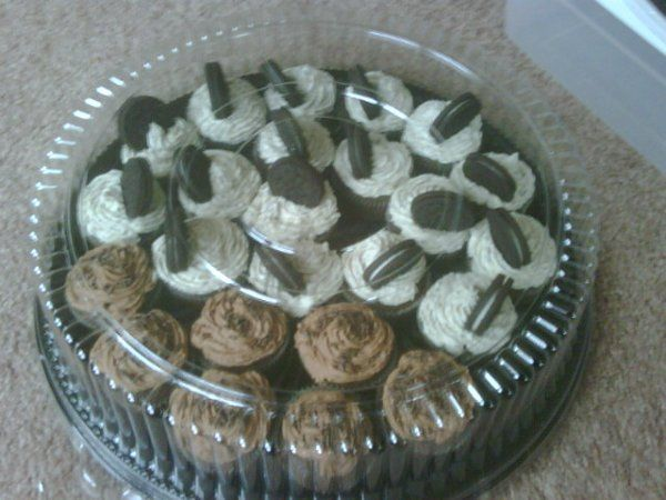 cupcake sampler Oreo Cookie Cupcake with vanilla buttercream frosting and our famous Choco Loto...