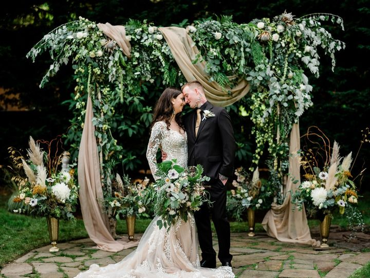 Tmx Amberandcharles2 51 921138 160037966662438 Seattle, WA wedding florist