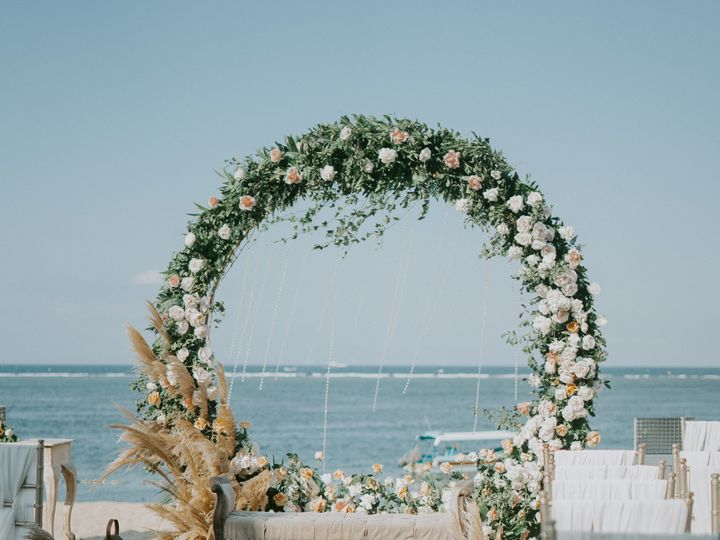 Tmx Arch Arrangement Beach 2788495 51 921138 1571368354 Seattle, WA wedding florist