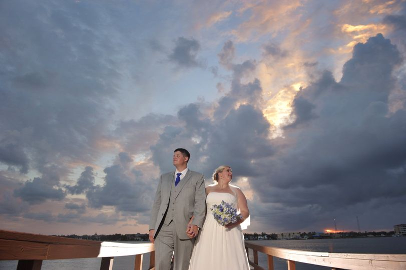 wedding sunset riverfront event center 01 022 51 1003138