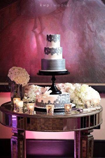 White and grey cake