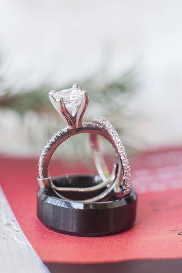 Wedding ring| Maura Jane Photography