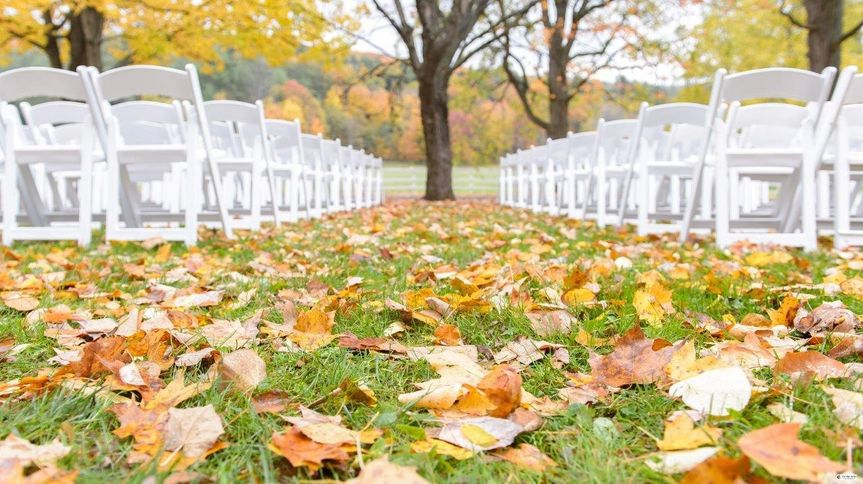 Falling leaves on the aisle