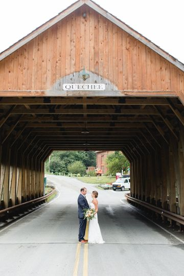 Newlyweds at the tunnel