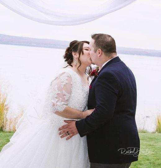 c7288e04568cba60 1528142715 cf821b983fdcec03 1528142712501 1 Wedding Pic1