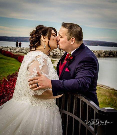 4bdcc3430c9ef8dd 1528142720 1fb00a02aa108a92 1528142717332 2 Wedding Pic2