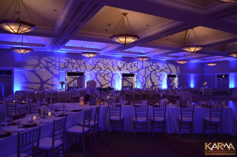 doubletree hilton paradise valley blue winter wedd
