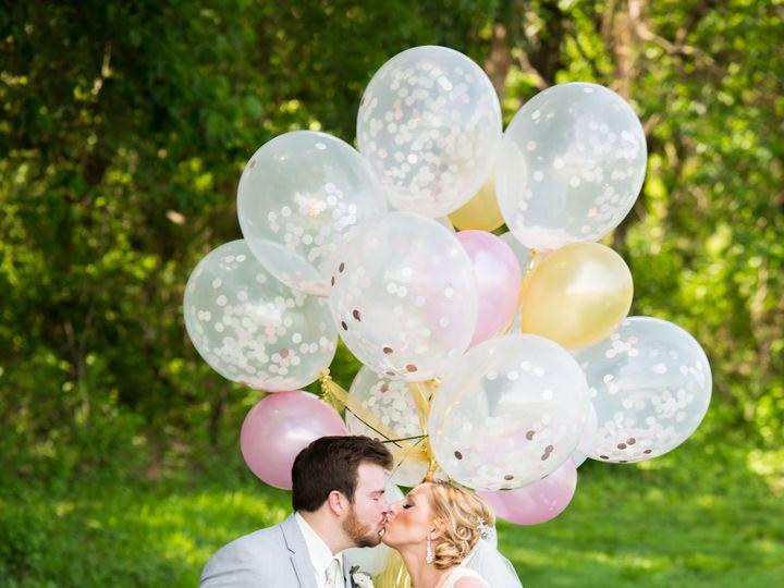 Tmx 1535155018 A72139408858a2b8 1535155016 064d371fdbce5e71 1535154983590 34 WeddingWire 26 Olathe, KS wedding photography