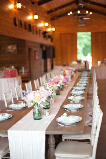 CRUSH Event Rentals LLC Reid Barn Head Table Crushvintagerental