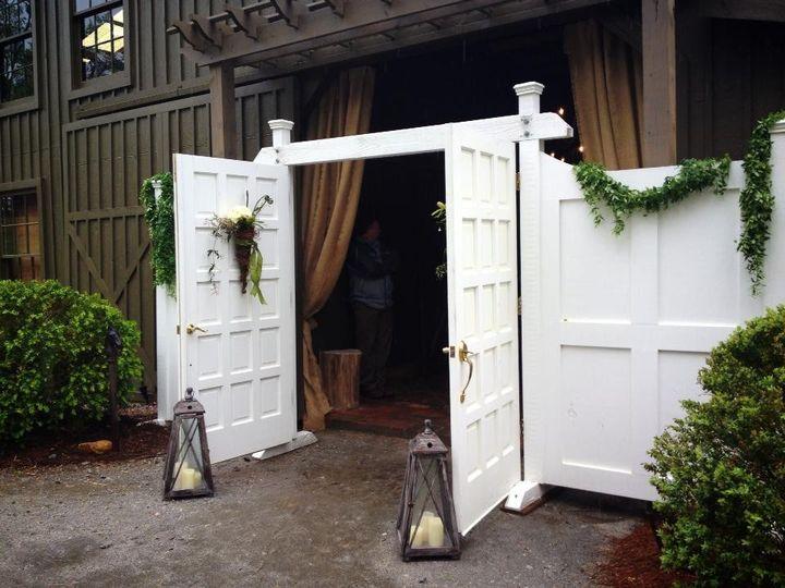 grand entrance at vinewood