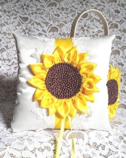 sunflower basket pillow 2
