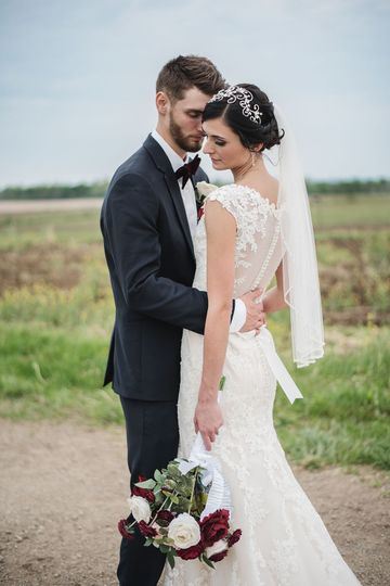 Bride and groom portrait Wedding photographers in columbus ohio