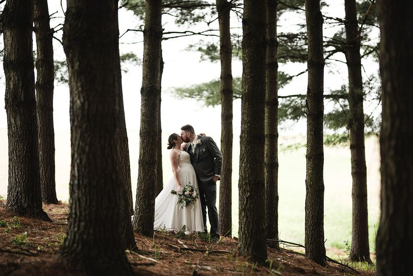 Bride and groom portrait columbus ohio wedding photographer