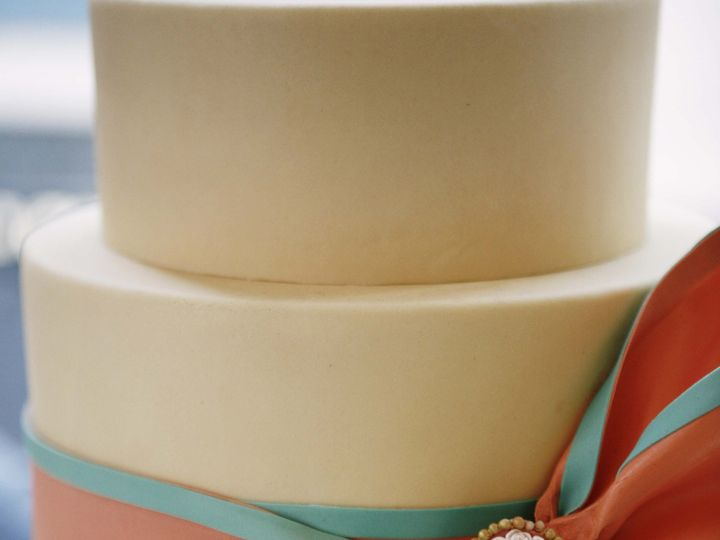 Tmx 1371016901998 Cameo Bow Seattle wedding cake