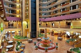 Embassy Suites Kansas City Plaza Hotel