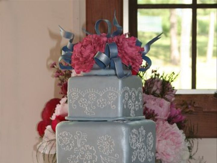 Tmx 1206645193112 062307%2CTonya%2Claceonbluewpeonies%2CCrissanver Raleigh wedding cake