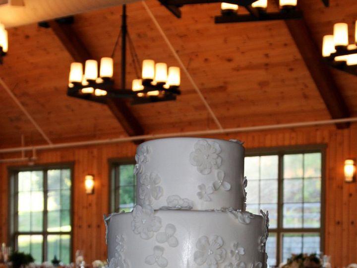 Tmx 1343754759232 072112RebeccaLSugarbushcopycopy Raleigh wedding cake