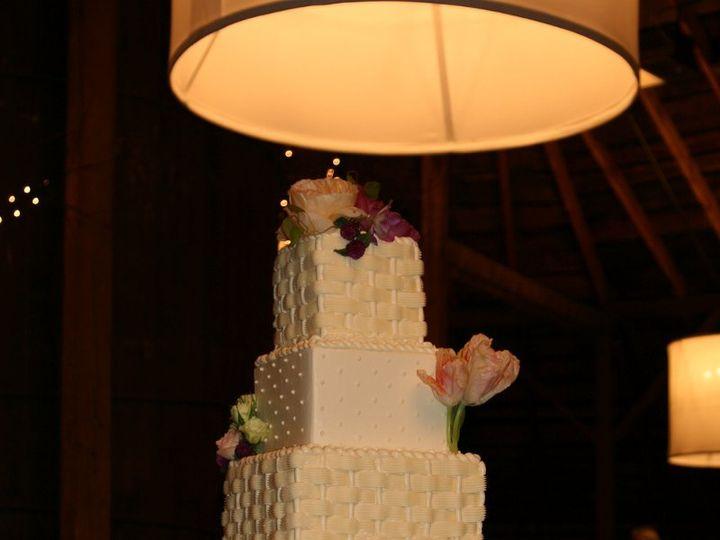Tmx 1343755504318 101511Riannroundbarn Raleigh wedding cake